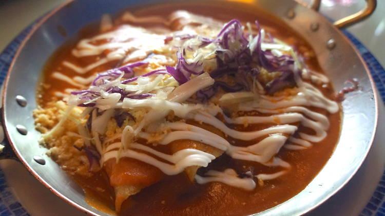 Enchiladas de Jamaica de Azul Condesa CDMX