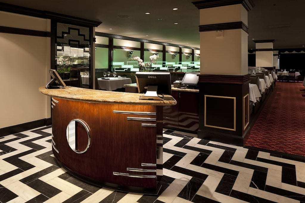 Art Deco decor of Osso Steakhouse