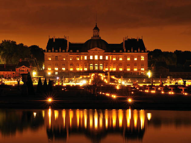 Paris helicopter rides: Vaux-le-Vicomte evening helicopter tour from Paris