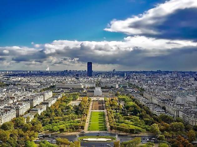 Paris helicopter tours