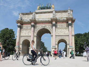 8 of the Best Paris Bike Tours to Try Right Now