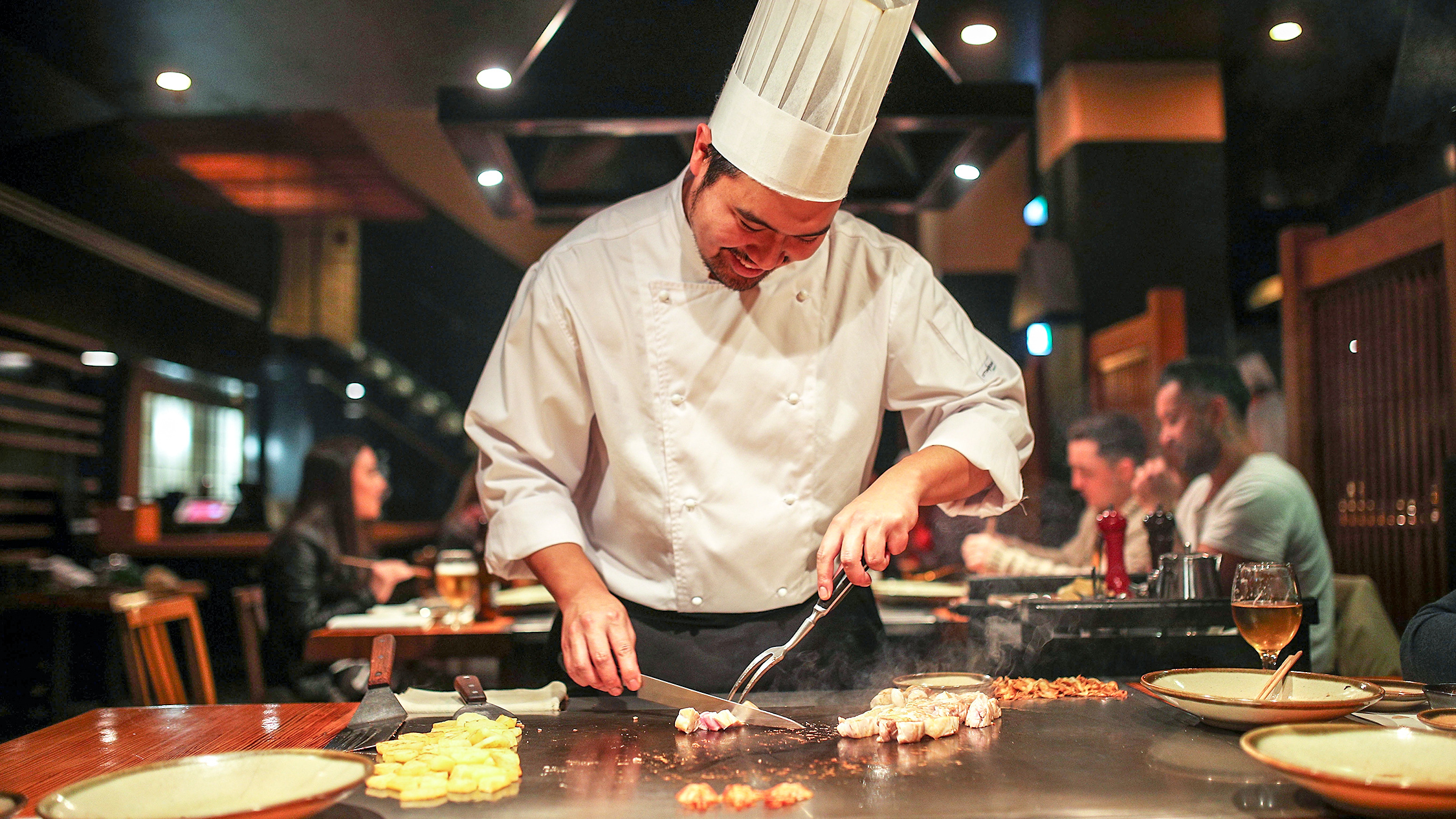 Chef at Japanese Teppanyaki Inn