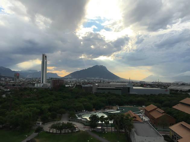 La vista desde el Parque Fundidora en Monterrey, México