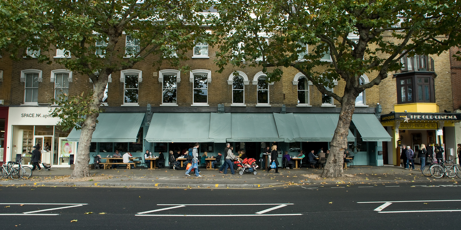 18 champion things to do on Chiswick High Road