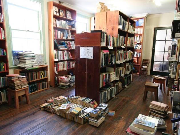 Sappho Books Cafe & Wine Bar
