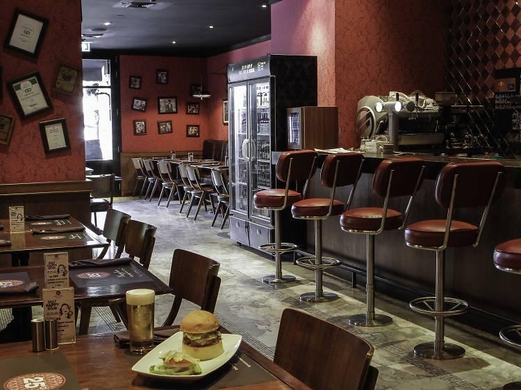 ร้านอาหารและคาเฟ่ 24 ชั่วโมงในกรุงเทพฯ