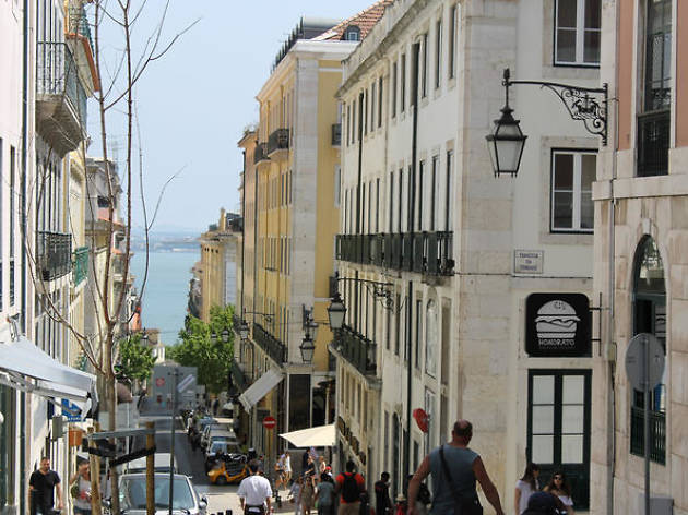 Lisbon walking tours-Romantic and bohemian Lisbon