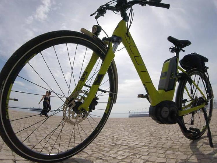 Sintra and Cascais electric bike tour
