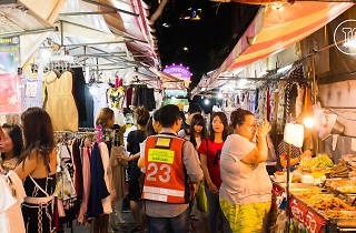 Huai Khwang Night Market 02