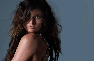 Idina Menzel takes her tour to Vegas