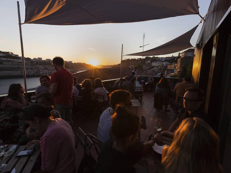 Cinco bares para ouvir música ao vivo no Porto