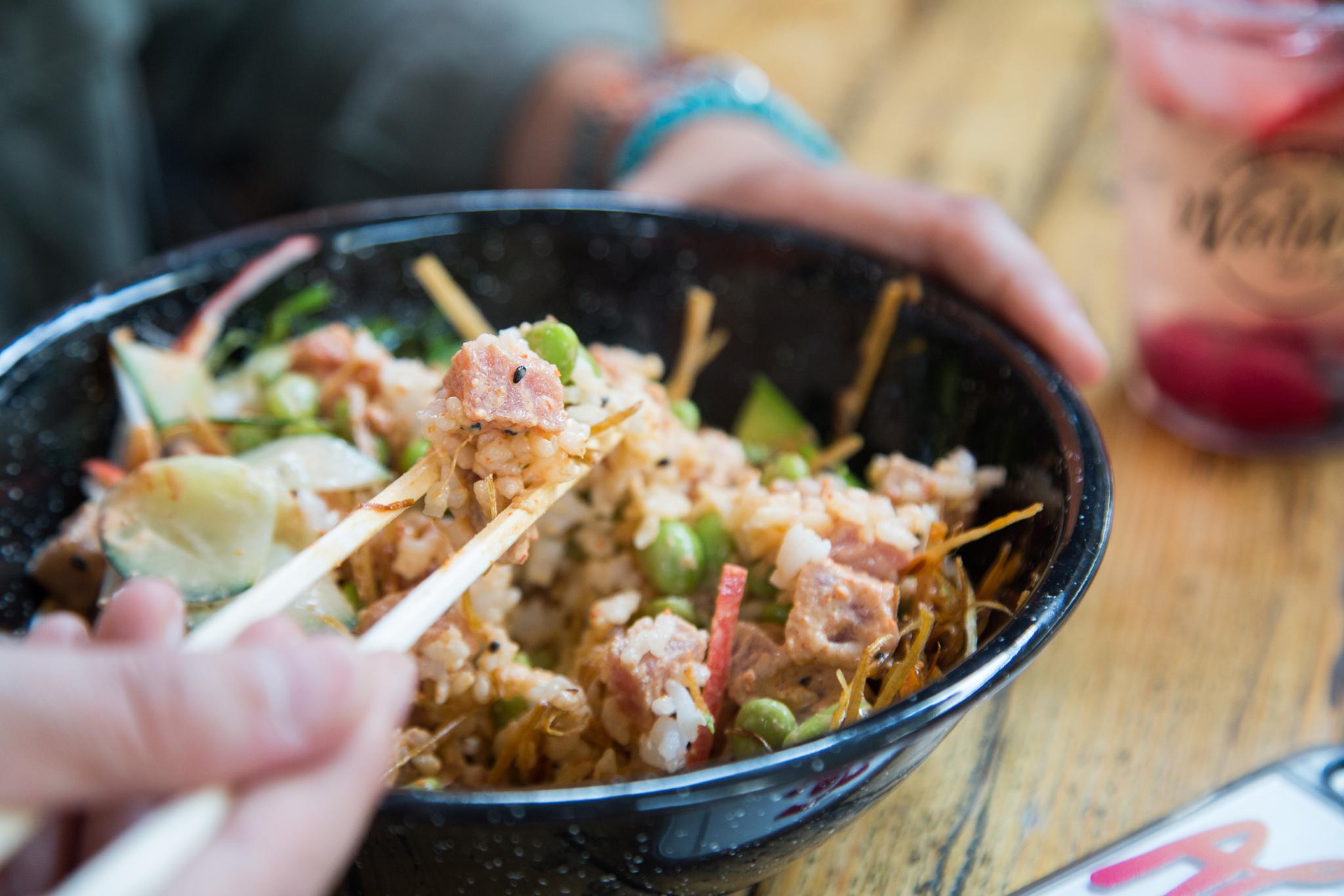 Poke, la última moda en comida saludable