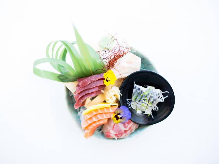 Sashimi de três peixes no Terra