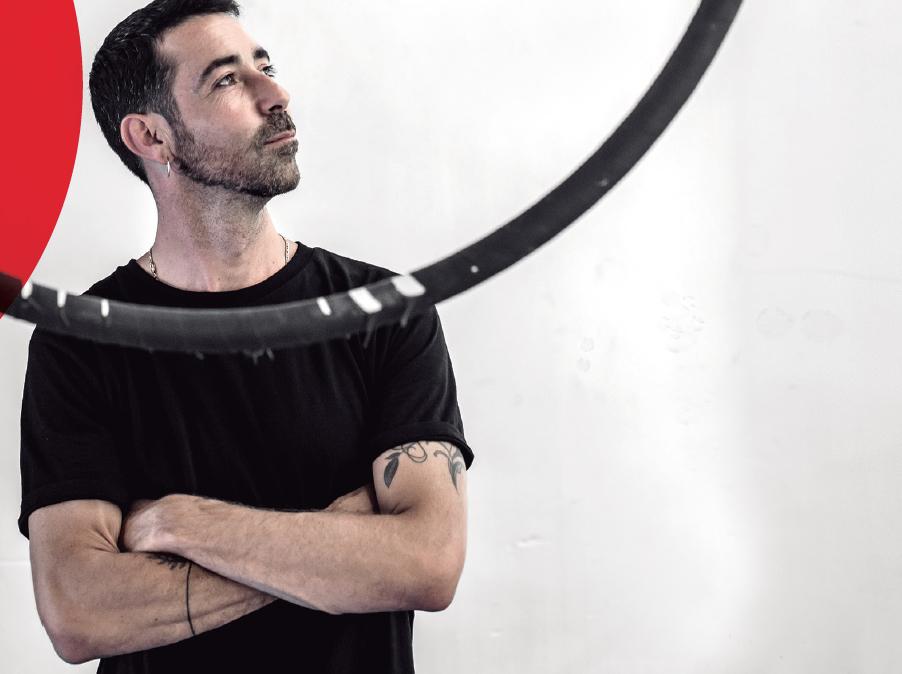 Jorge Alcover, fundador de l'escola de dansa aèria Onair