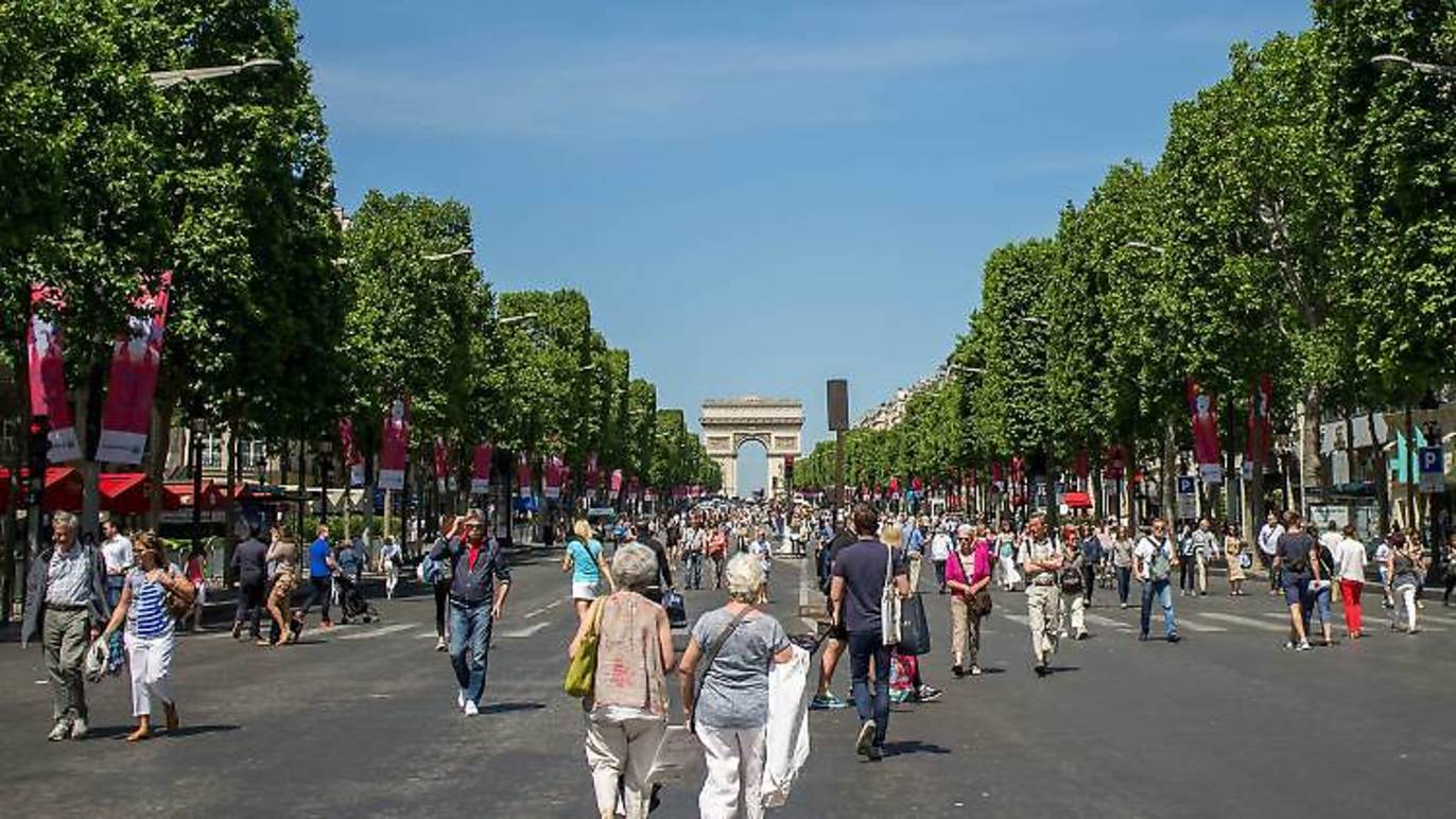 Paris sin autos - Champs Elysees Peatonal