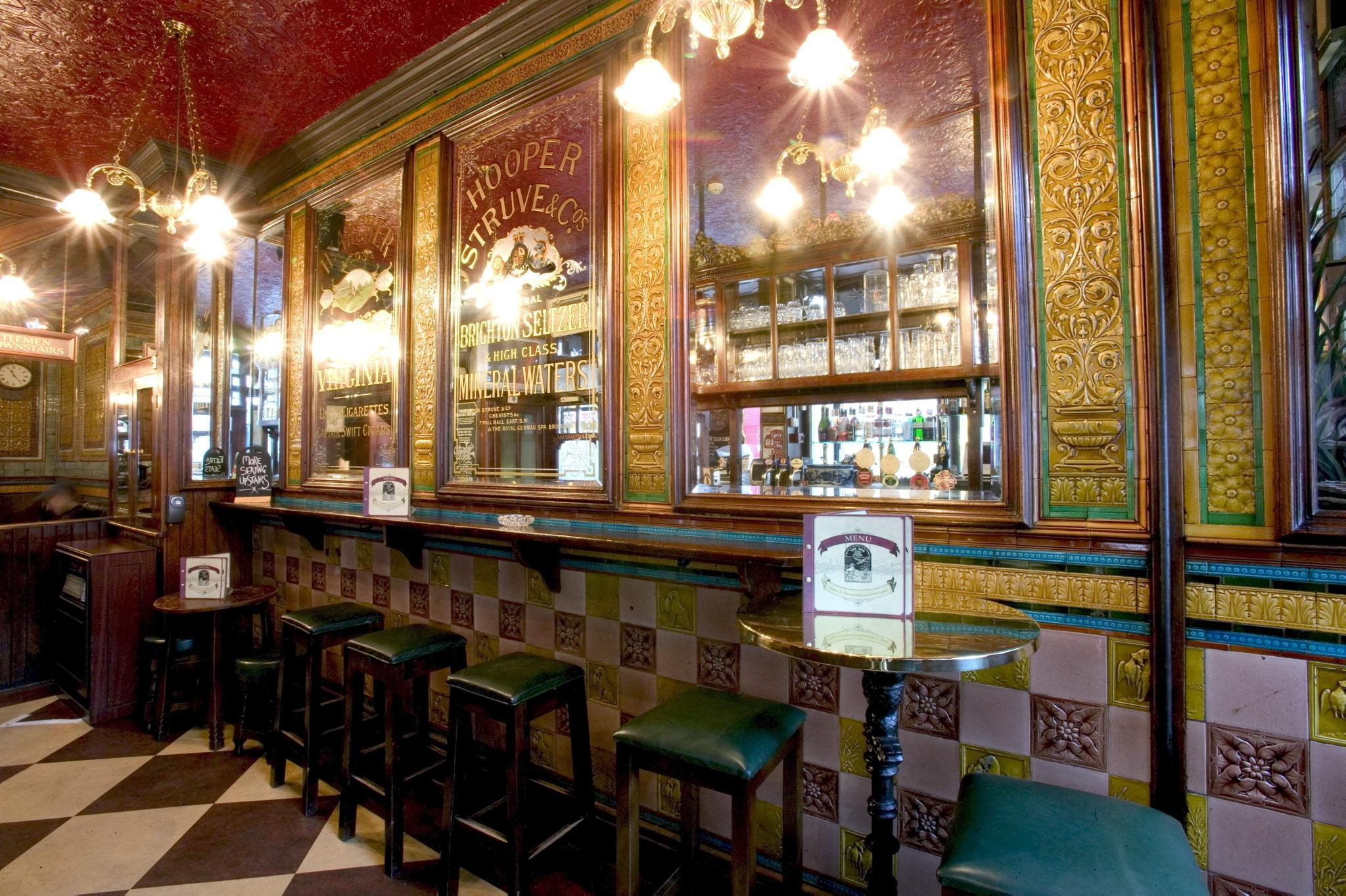 best pubs in soho, dog & duck
