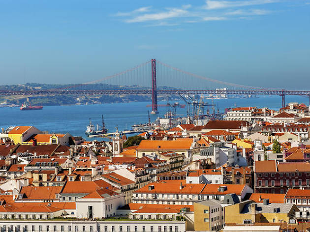 Lisbon private tours: custom day