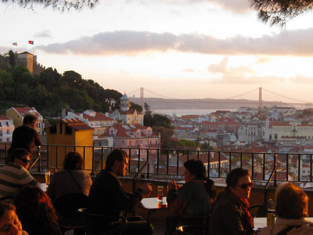 Lisbon private tours: sunset walking tour
