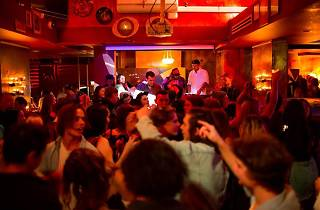 Bimbo club party