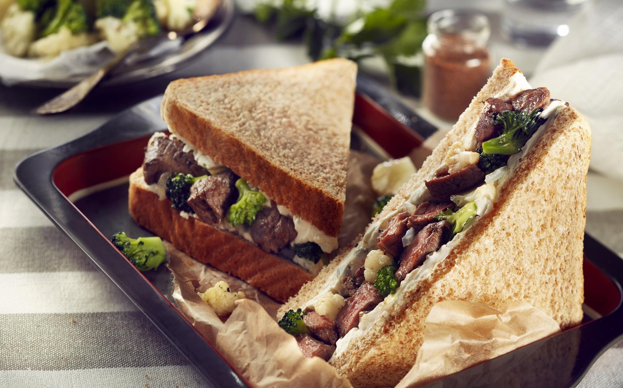 Sándwich de res Bimbo