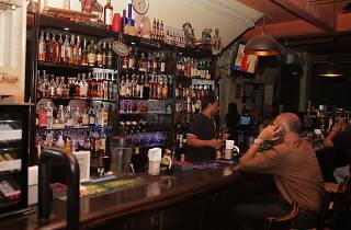 Backyard Pub & Grill