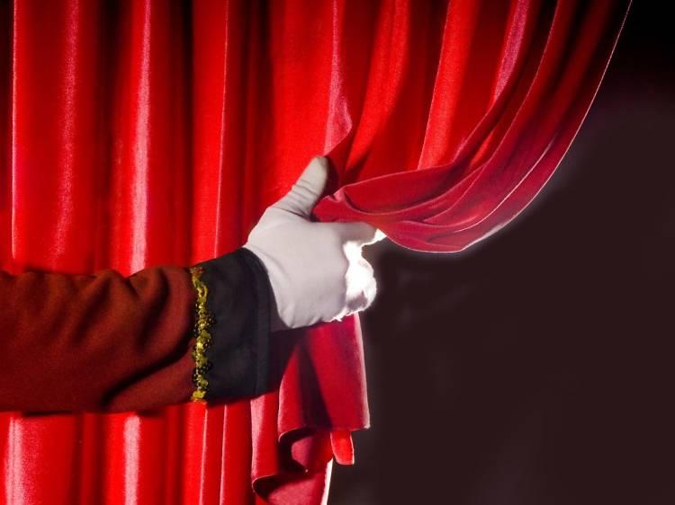 Fazer silêncio, que o espectáculo vai começar no Museu Nacional do Teatro