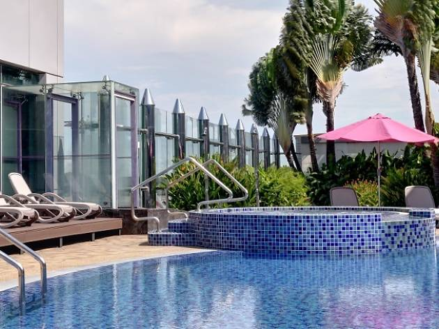 changi rooftop pool