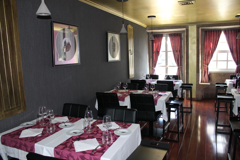 Caffénoir Restaurant Jazz and Tea Club