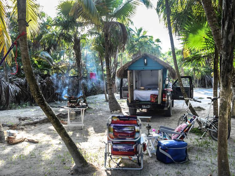 Camión palapa en Bahía de Soliman