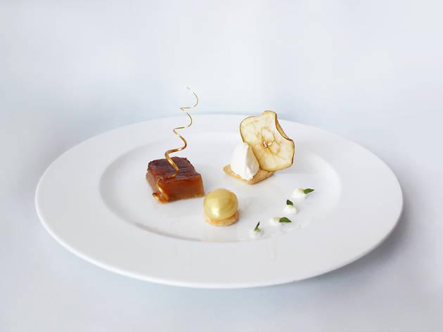 Maçã reineta, baunilha e queijo fresco