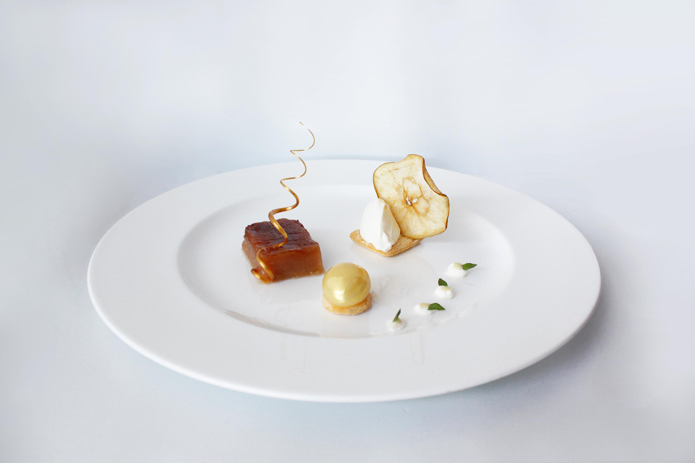 Maçã reineta com queijo fresco - Restaurante Egoísta