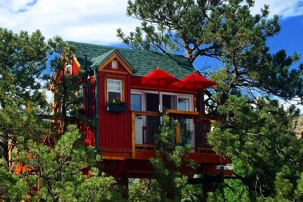 Lyons, CO treehouse