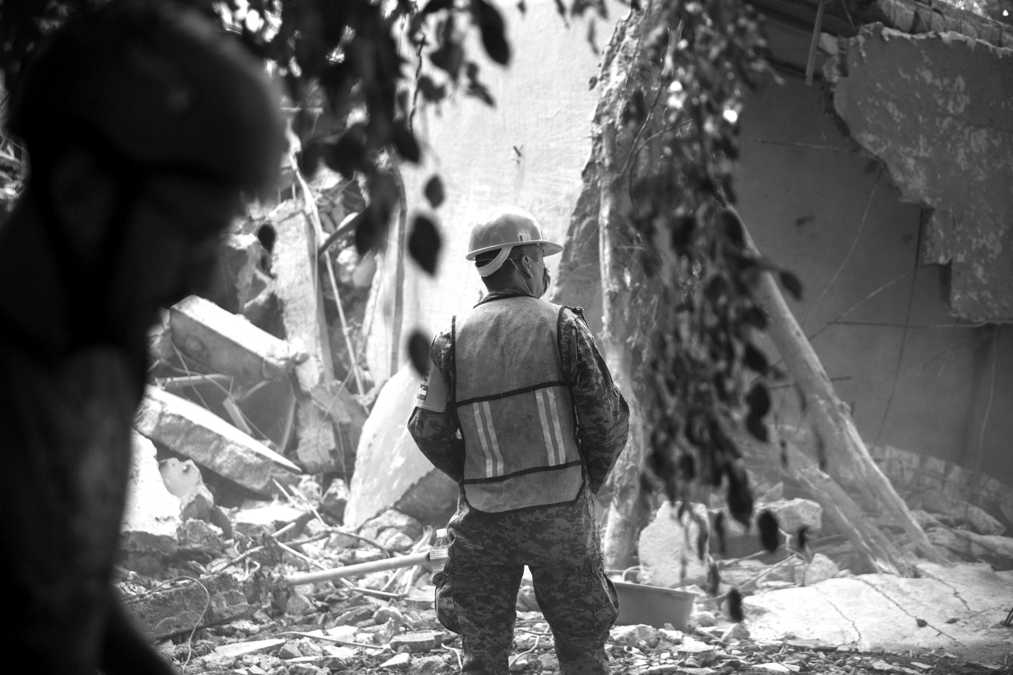 Los héroes del chaleco fosforescente: crónica del sismo del 19 de septiembre en la CDMX