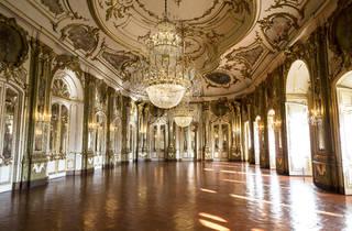 A Sala do Trono do Palácio de Queluz