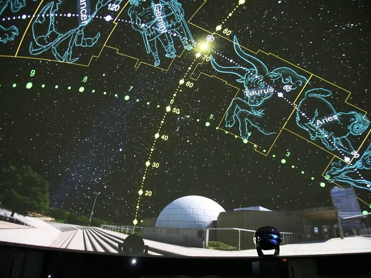 Ver las estrellas desde el Planetario