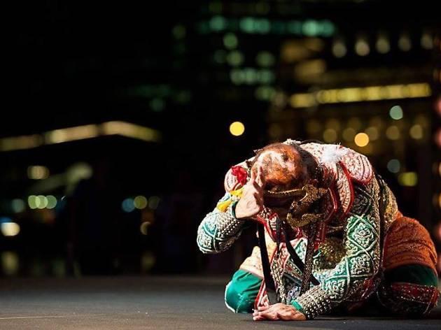Khon–the episode of 'Narai Defeating Nonthok' by Pichet Klunchun Dance Company