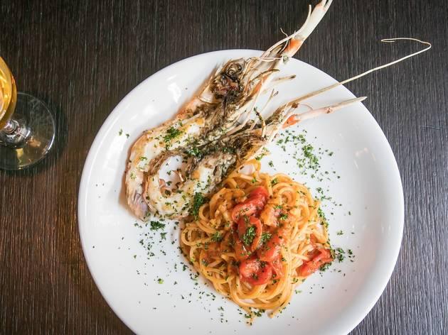 Spaghetti prawns at Fratelli Paradiso