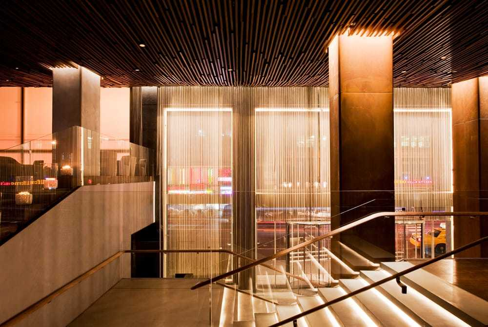 White Room Metropolitan Hotel