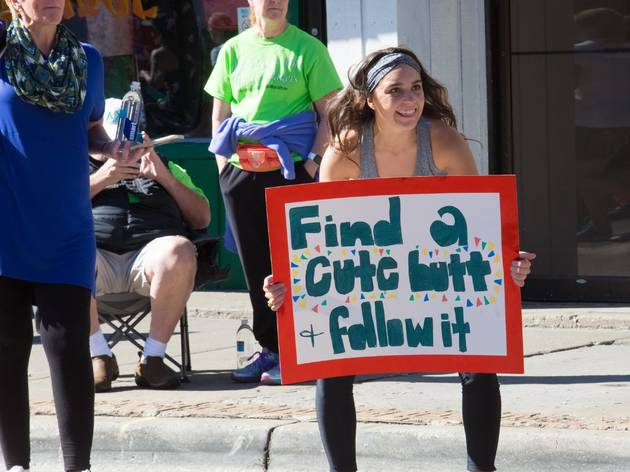 The funniest signs we saw at the Chicago Marathon 2017