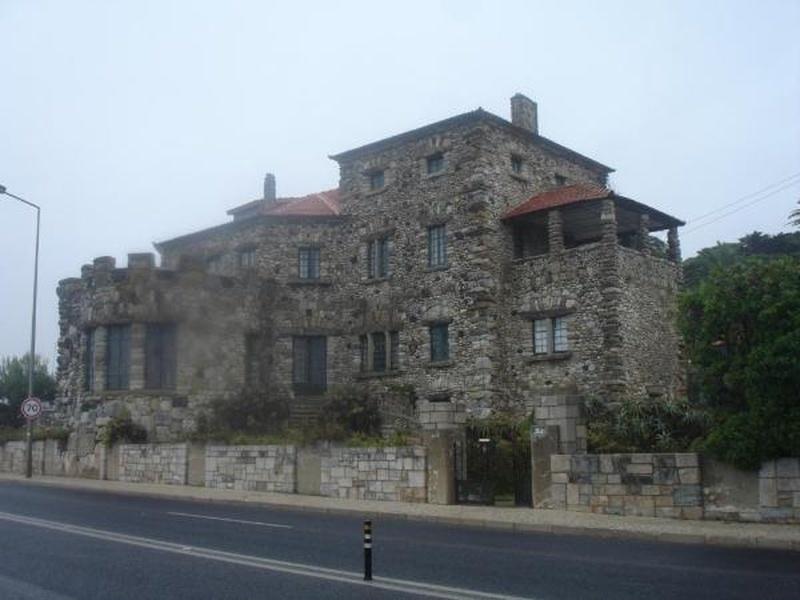 Casa das Pedras (na Avenida Marginal)