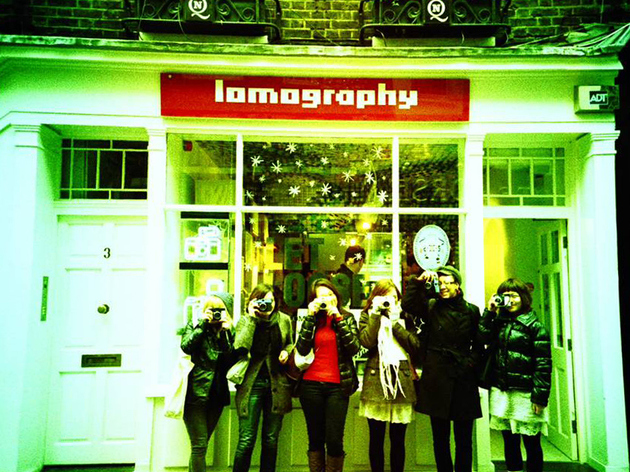 SHOPPING_Lomography_press2011.jpg