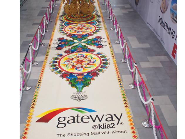 Kolam at Gateway 2 KLIA