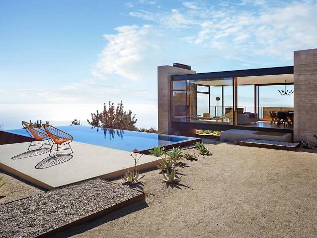 A modern mountaintop retreat