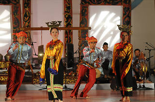 Dances of Sabah and Sarawak by ASK Dance Company, da:ns festival