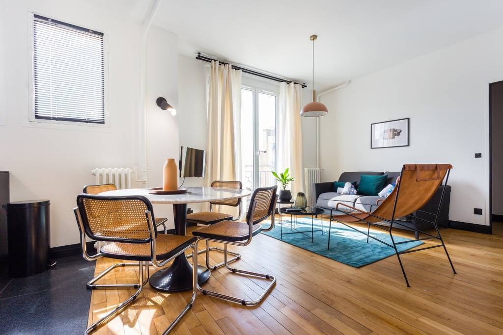 Airbnb Paris: Luxury two-bed, South Pigalle