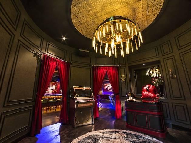 LuLu's Lounge Halloween