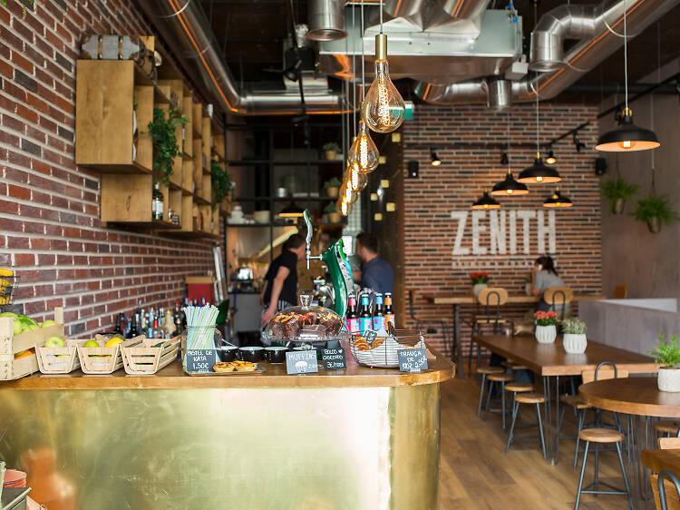 Zenith Brunch & Cocktails Bar