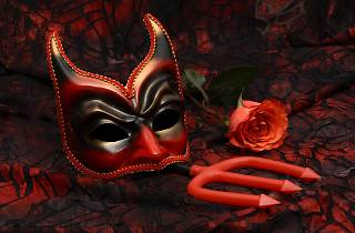 amuse halloween masquerade