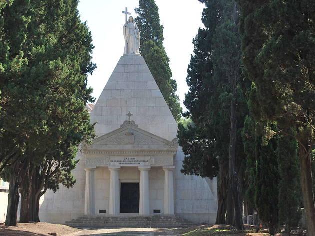 Mausoléu Palmela no cemitério dos prazeres