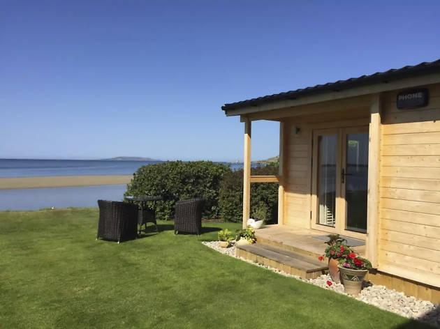 Best Airbnbs Dublin- Coastal Cabin